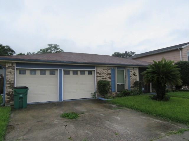 2304 BELLAIRE Lane, Harvey, LA 70058