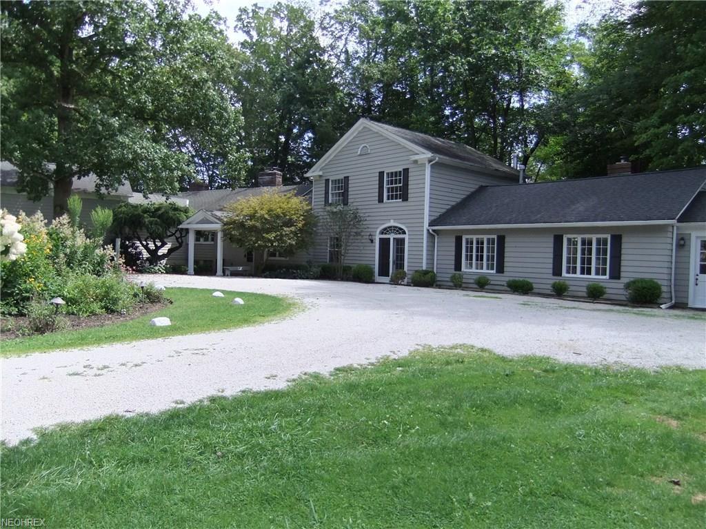 1980 Berkshire Rd, Gates Mills, OH 44040
