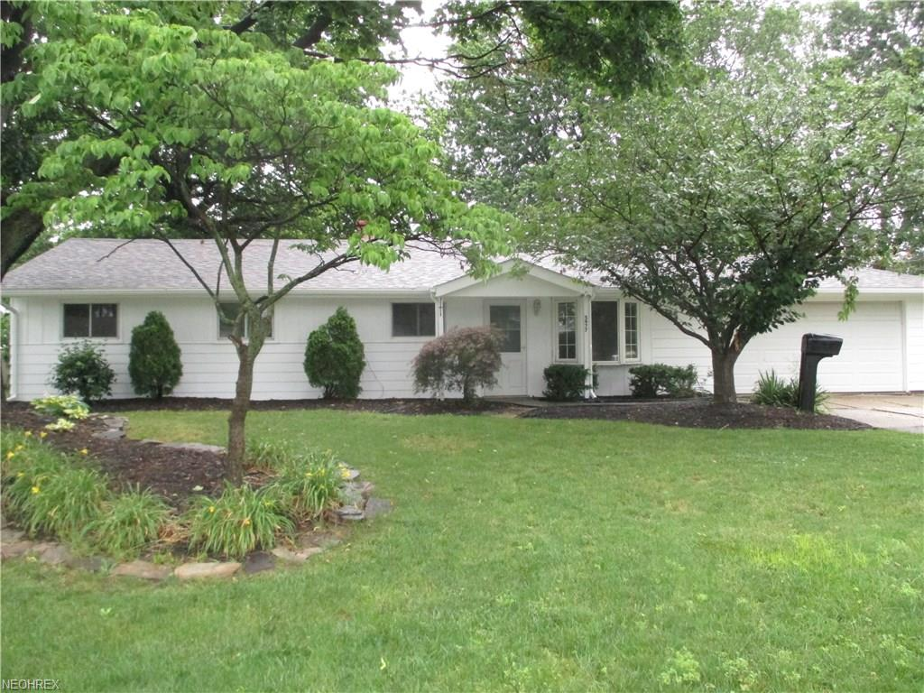 5977 Thunderbird Dr, Mentor-on-the-Lake, OH 44060