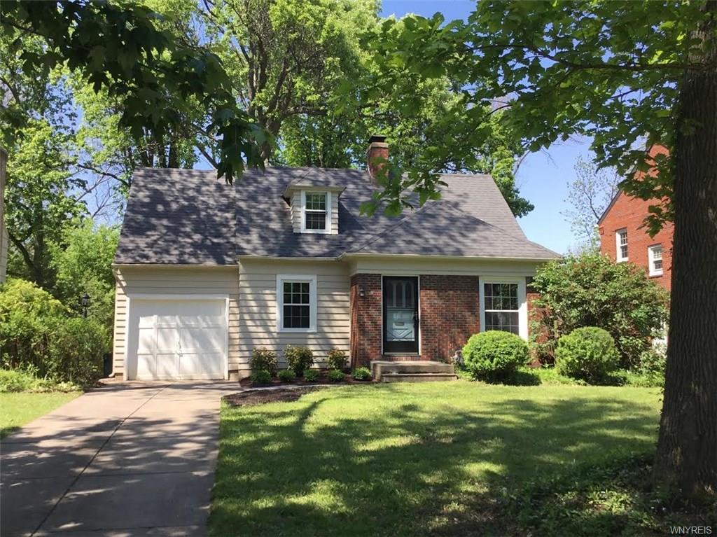 35 Harwood Drive, Amherst, NY 14226