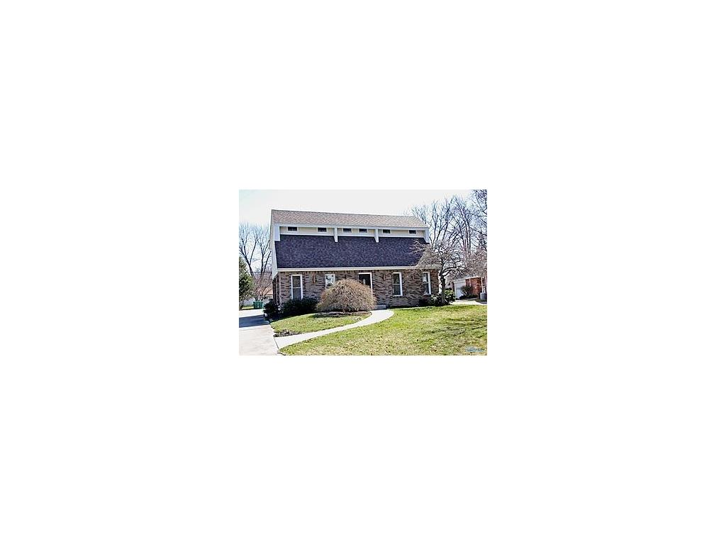 422 Forest Drive, Rossford, OH 43460