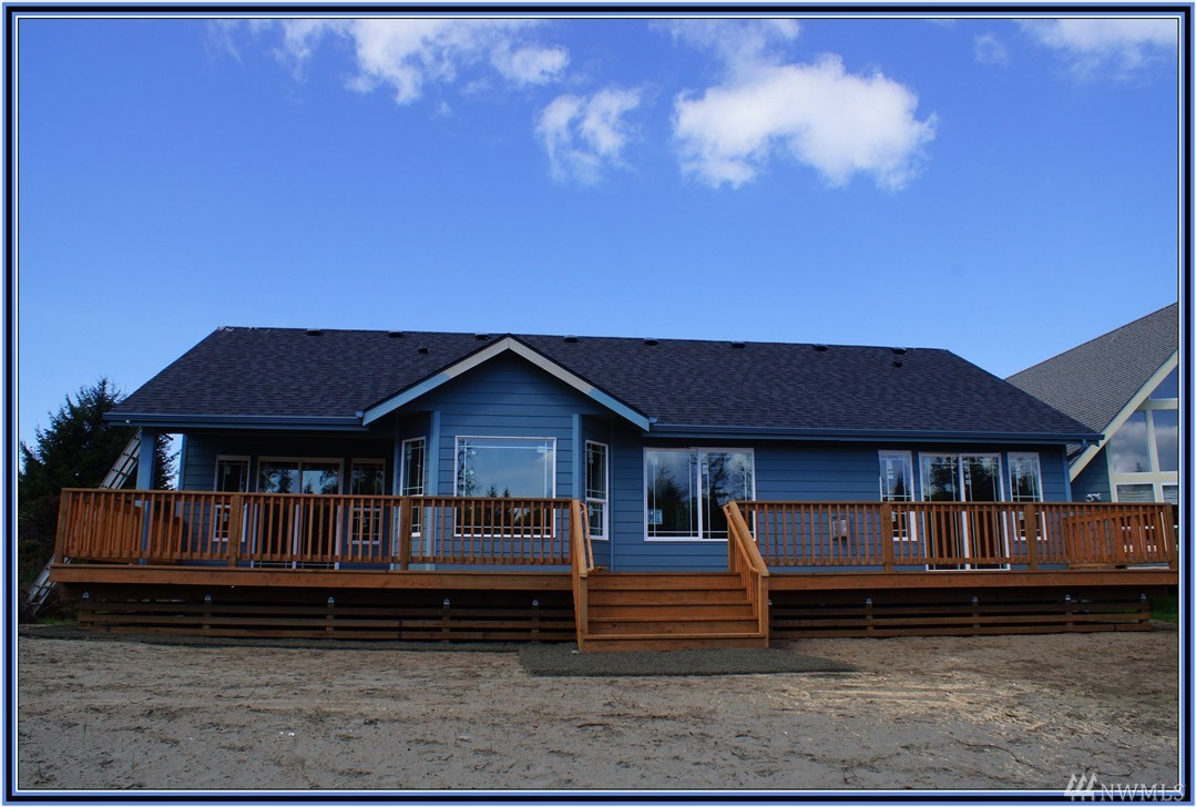 176 S Razor Clam Dr SW, Ocean Shores, WA 98569