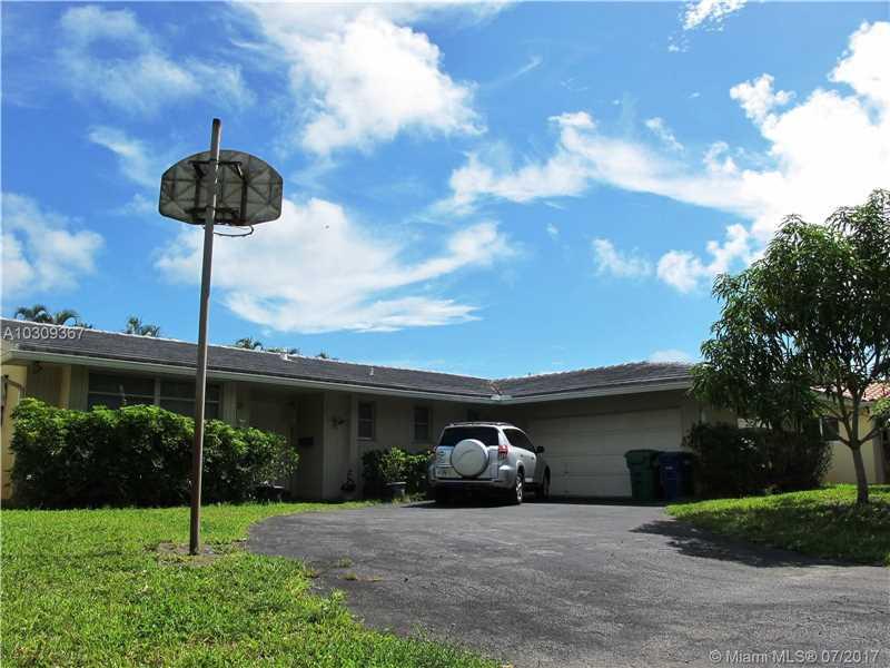 2421 NE 199th St, Miami, FL 33180