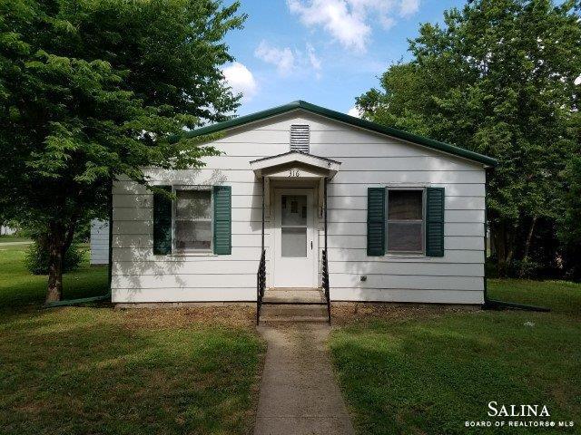 316 N Jackson Street, Marquette, KS 67464