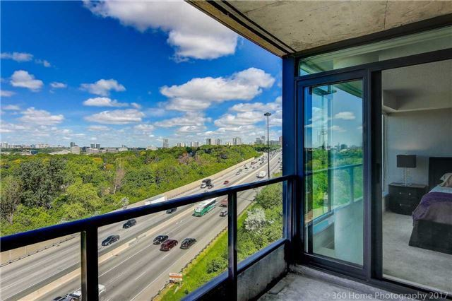 18 Valley Woods Rd Ph103, Toronto, ON M3A 0A1