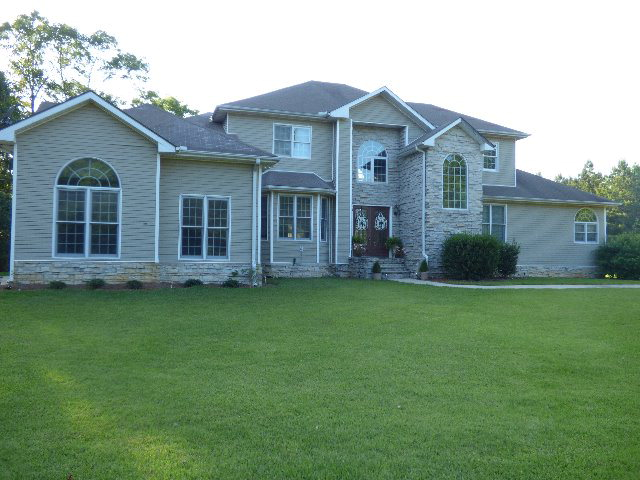 5689 Burris Rd, Smithdale, MS 39664