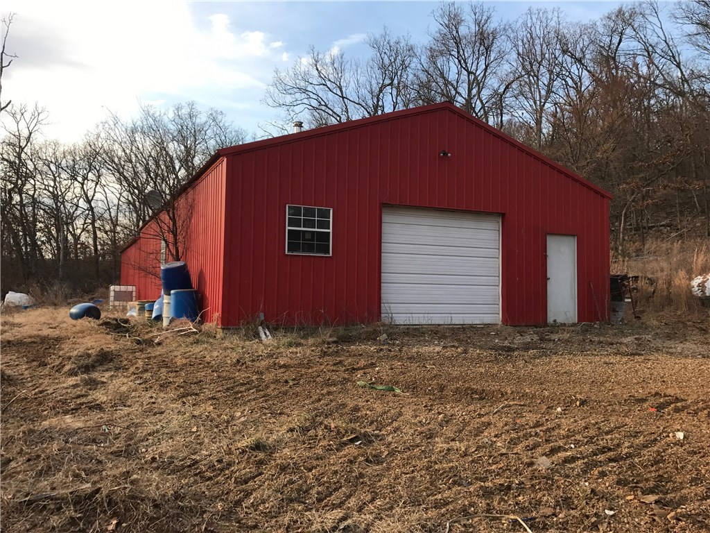 22292 Lafayette Mountain RD, Lincoln, AR 72744