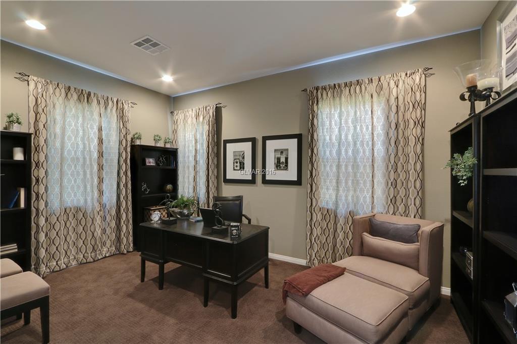 6622 YOUNG SKY Avenue, Las Vegas, NV 89142