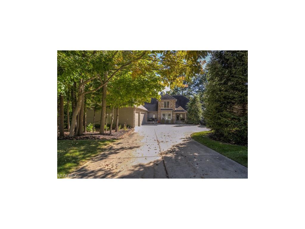 781 Village Cir, Gates Mills, OH 44040