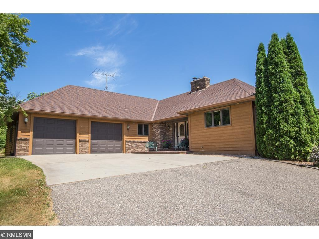 8451 Montgomery Avenue NW, Annandale, MN 55302