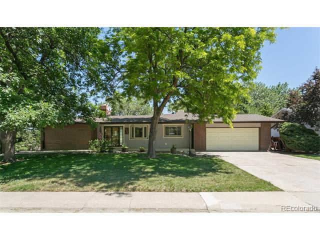 11775 W Applewood Knolls Drive, Lakewood, CO 80215