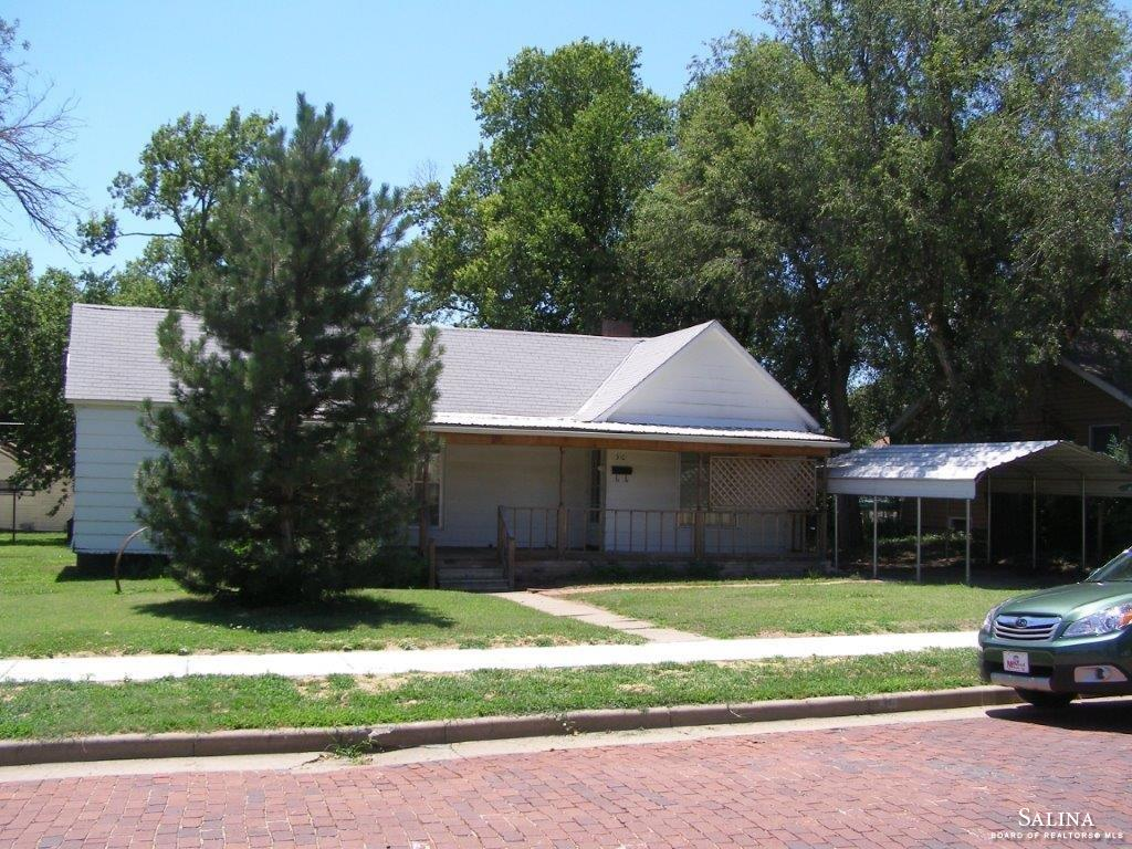 310 W 3rd Street, Ellsworth, KS 67439