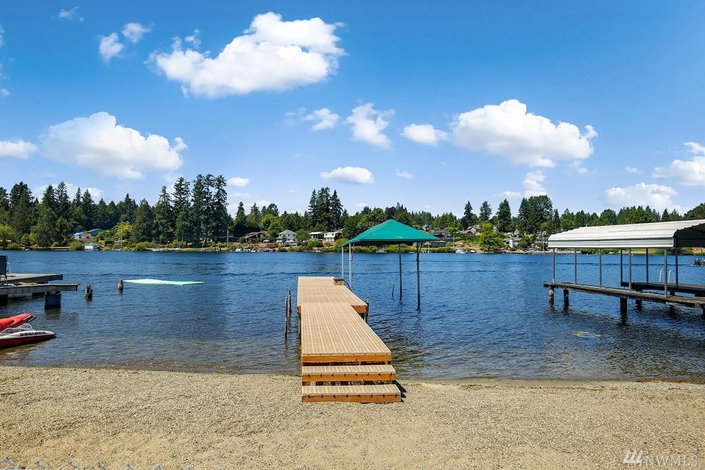 1510 E Lakeshore Dr, Lake Stevens, WA 98258