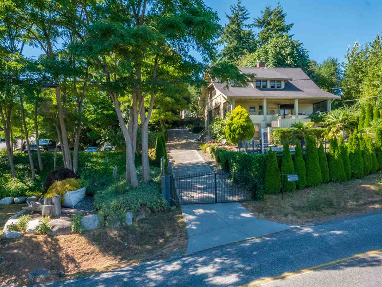 529 GIBSONS WAY, Gibsons, BC V0N 1V9