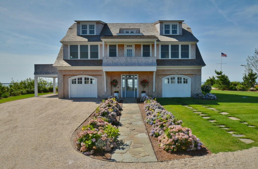 6 Mohegan Avenue, Old Saybrook, CT 06475