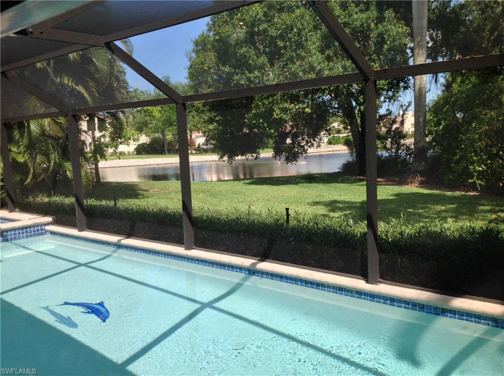 811 Pine Village LN, NAPLES, FL 34108