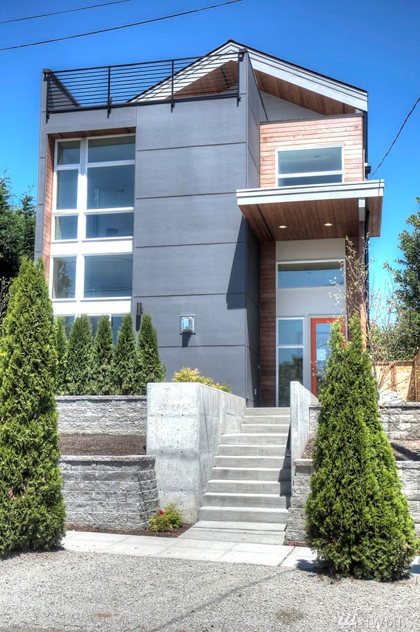 1406 S Bennett St, Seattle, WA 98108