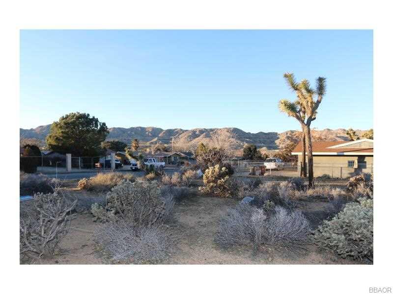 7769 Shawnee Trail, Yucca Valley, CA 92284