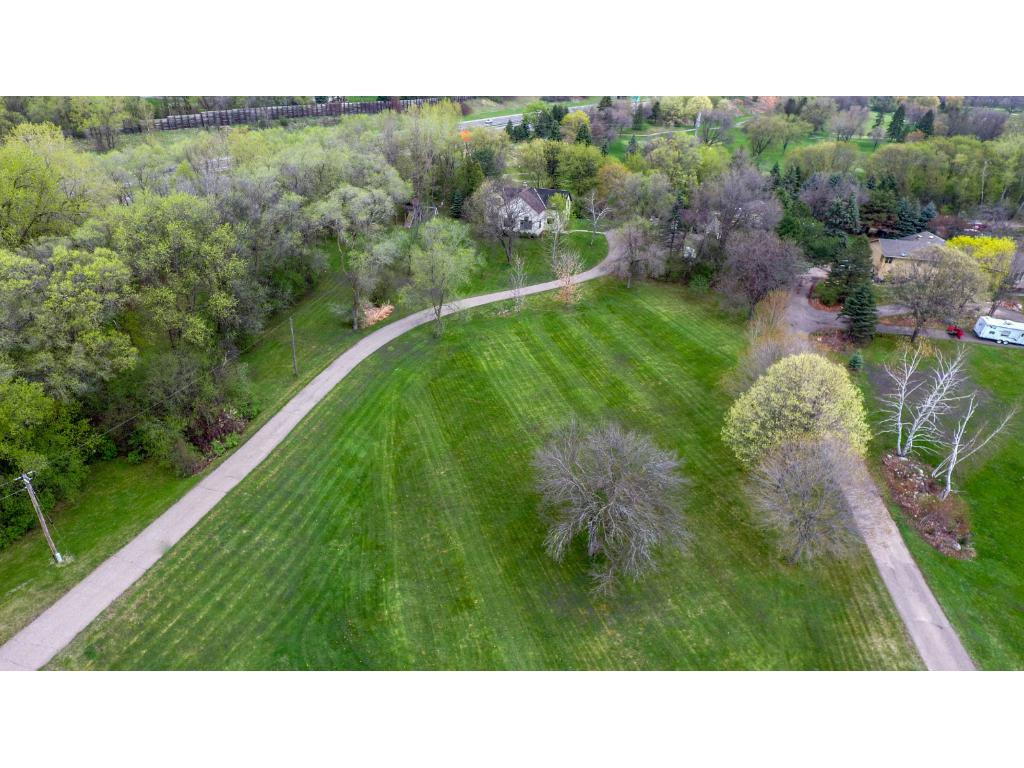 1021 Wagon Wheel Trail, Mendota Heights, MN 55120