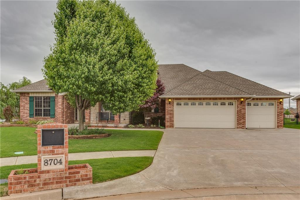 8704 NW 72nd Court, Warr Acres, OK 73132