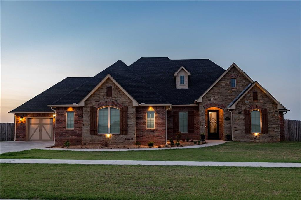 2001 Clubhouse Drive, Weatherford, OK 73096