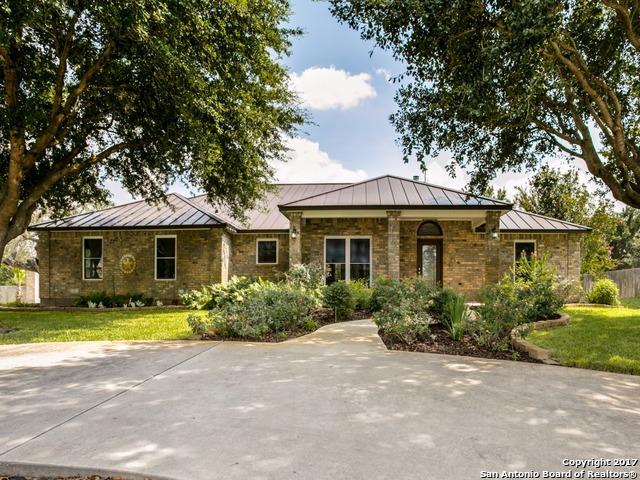1625 Embassy, Pleasanton, TX 78064