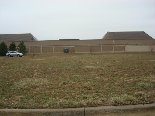 4911 W 134 Street, Leawood, KS 66209