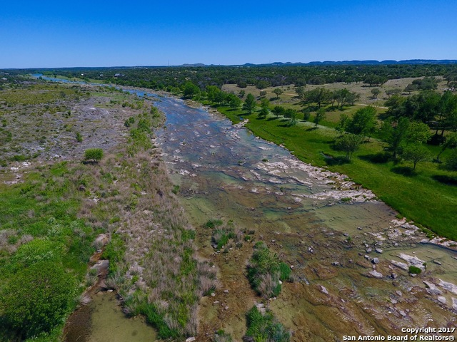 262 One River Point Dr, Johnson City, TX 78636