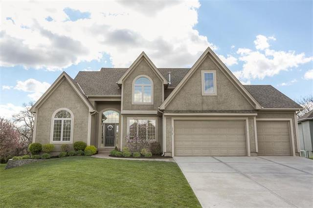 17712 S Roundtree Drive, Olathe, KS 66062