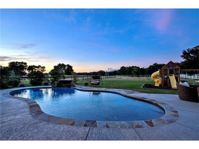 1735 Trebled Waters Trl, Driftwood, TX 78619