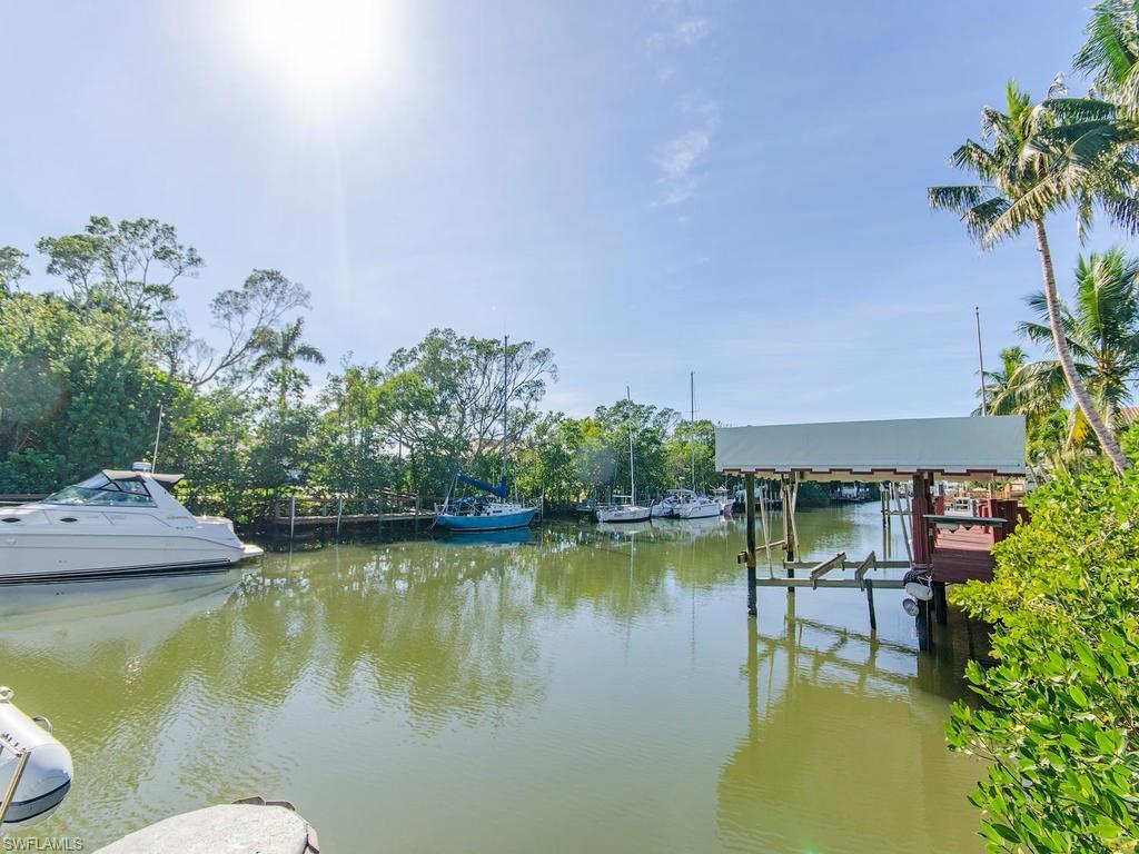 1630 Chesapeake AVE, NAPLES, FL 34102