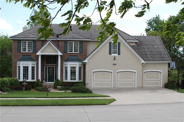 11035 S Glenview Lane, Olathe, KS 66061