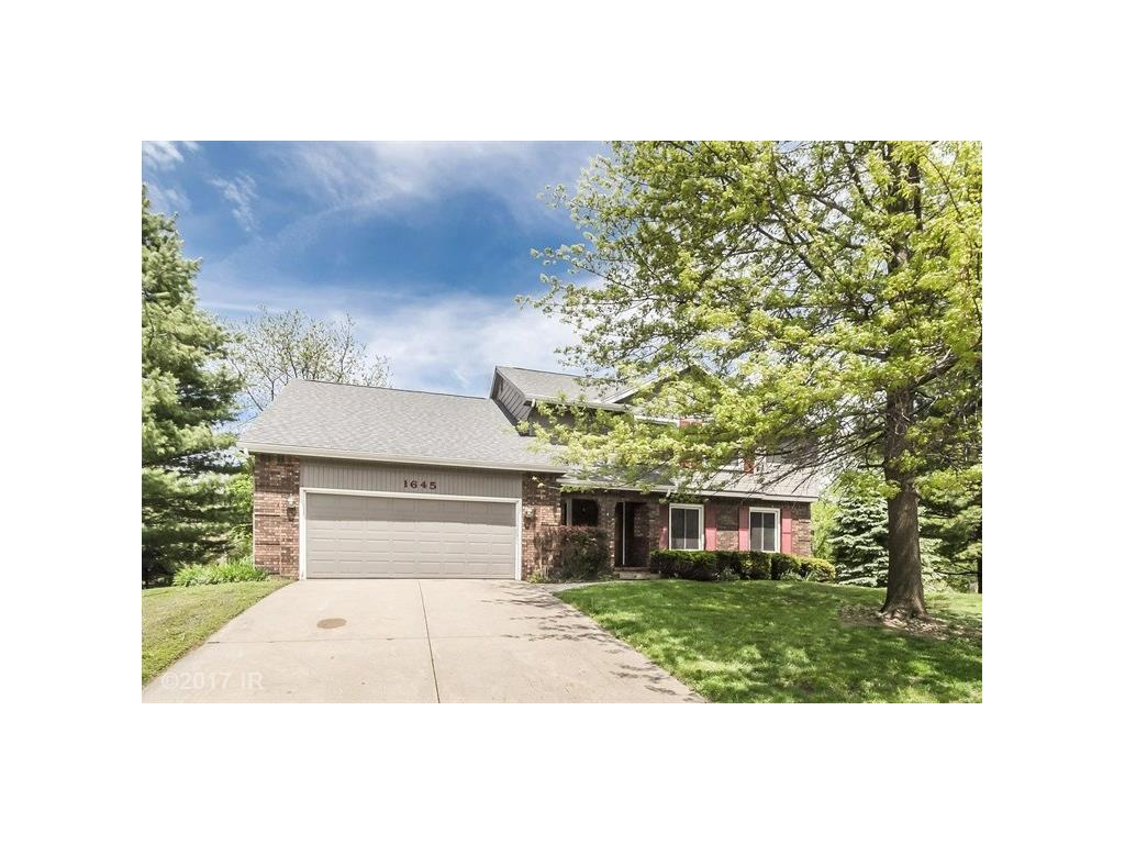 1645 90th Court, Clive, IA 50325