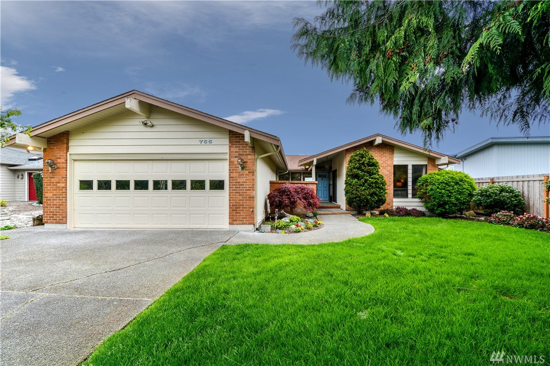 755 Bay Front, Oak Harbor, WA 98277