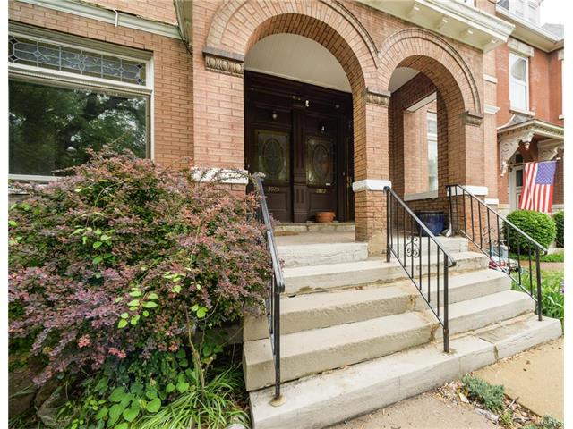 3925 Russell, St Louis, MO 63110