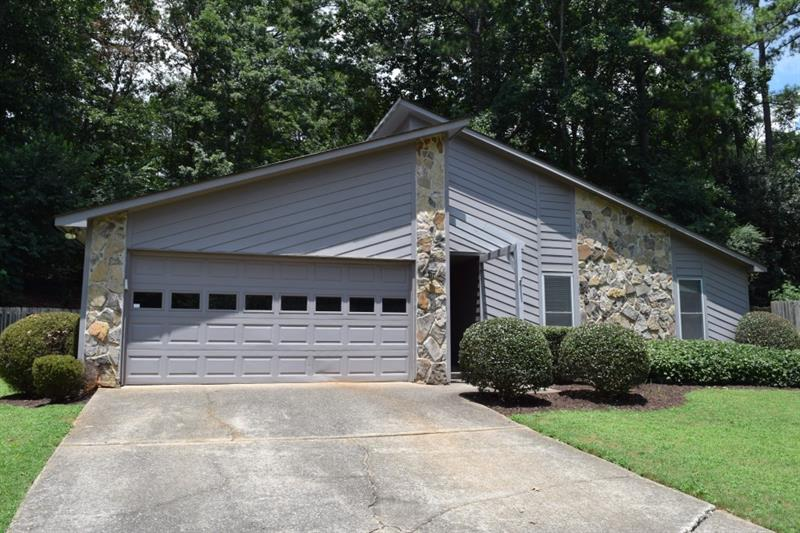 525 Forest Place, Roswell, GA 30076