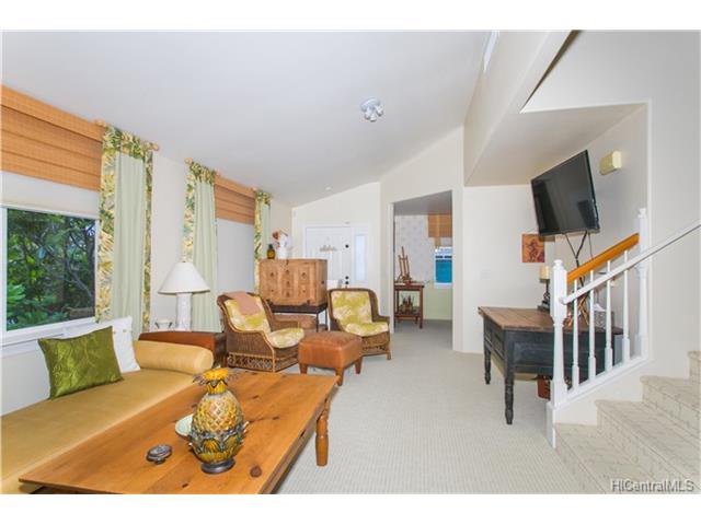 1181B Mokuhano Street B, Honolulu, HI 96825