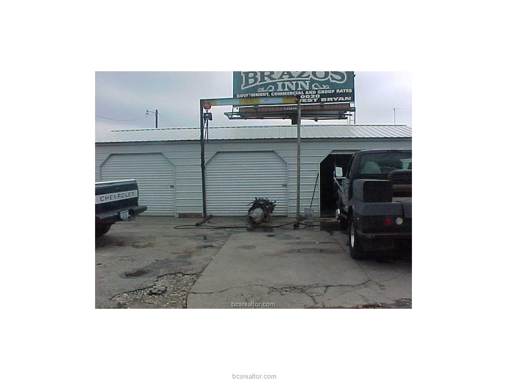 1602 ST HWY 6 Market St Highway, Hearne, TX 77859