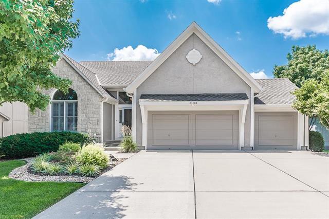 13110 Goddard Lane, Overland Park, KS 66213
