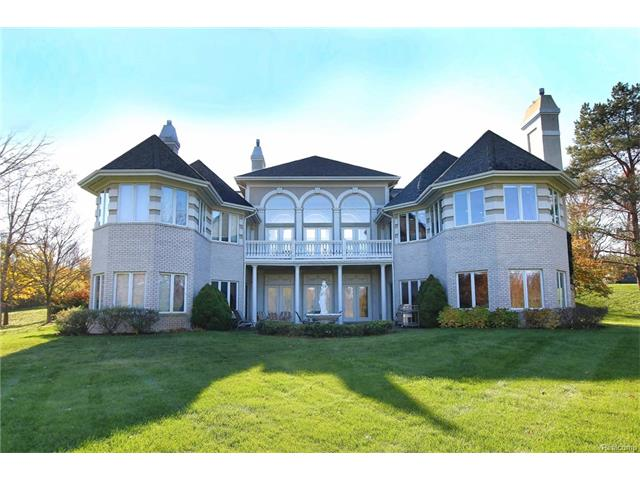 5276 W Maple RD, West Bloomfield Twp, MI 48322