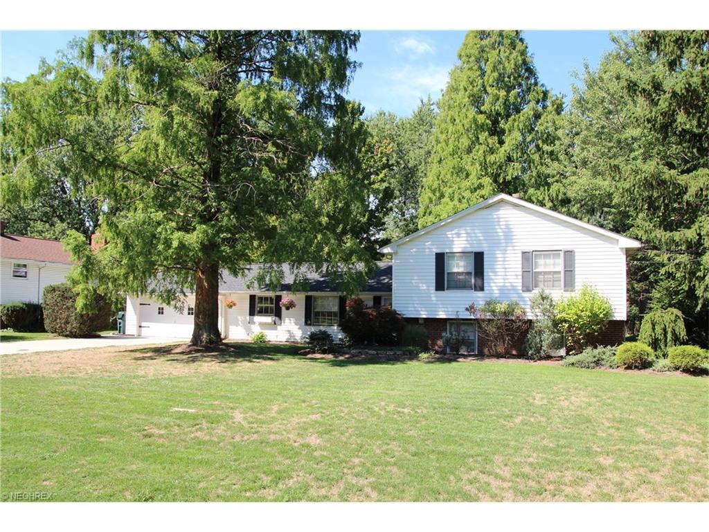 840 Joyce Rd, Mayfield Village, OH 44143