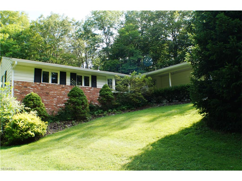 8807 Ranch Dr, Chesterland, OH 44026