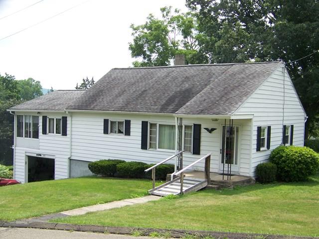 285 W 16th St., Elmira Heights, NY 14903