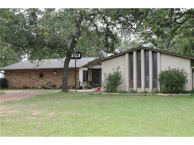 156 Copeland Hill Rd, Smithville, TX 78957