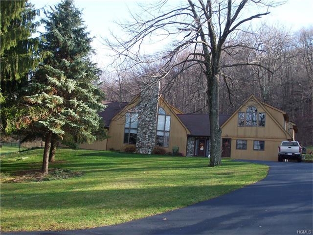 10 Deer Lane, Hopewell Junction, NY 12533