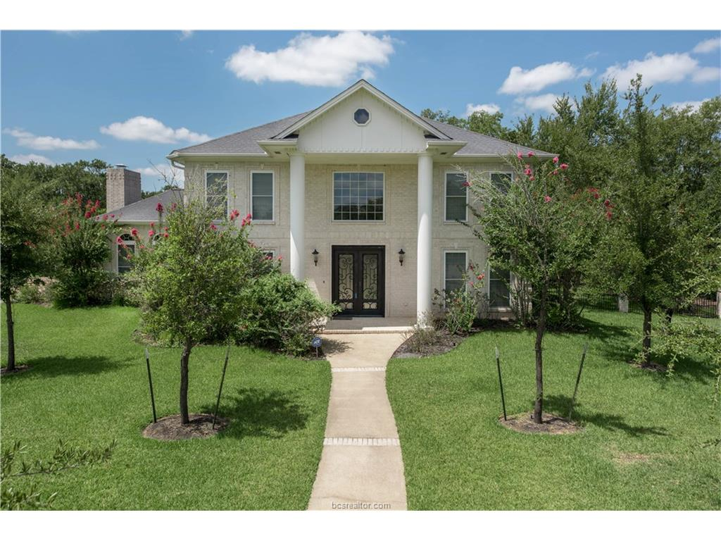 9204 Lake Forest Court, College Station, TX 77845