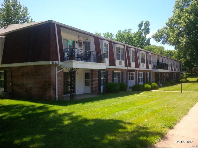 1745 Herault Place, St Louis, MO 63125