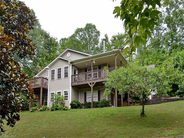 6 Franklin Place, Leicester, NC 28748