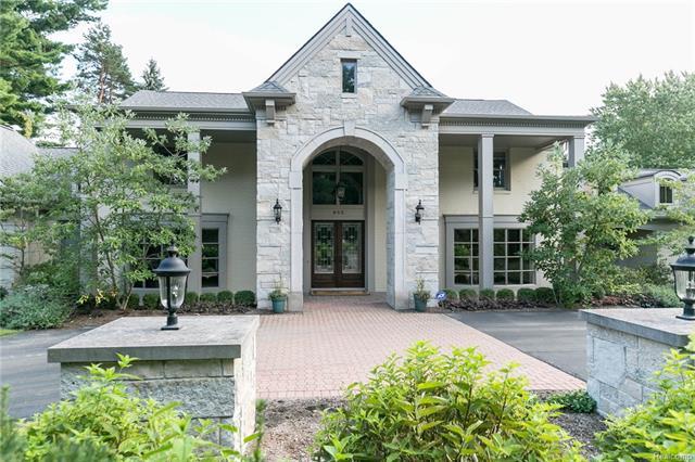 685 HILLCREST DR, Bloomfield Hills, MI 48304