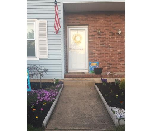 77 Brookview Circle 220, Monroe Township, NJ 08831